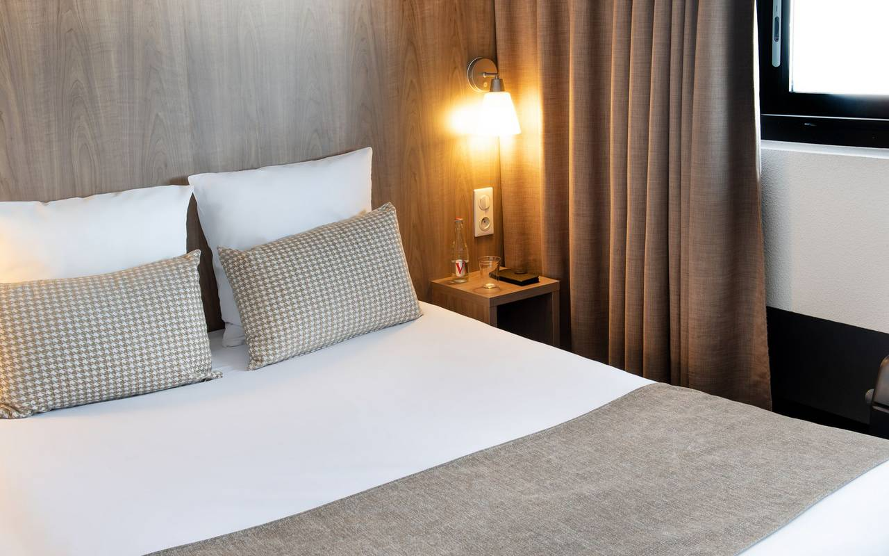 Comfortable bed, hotel Hautes Pyrénes, hôtel Panorama