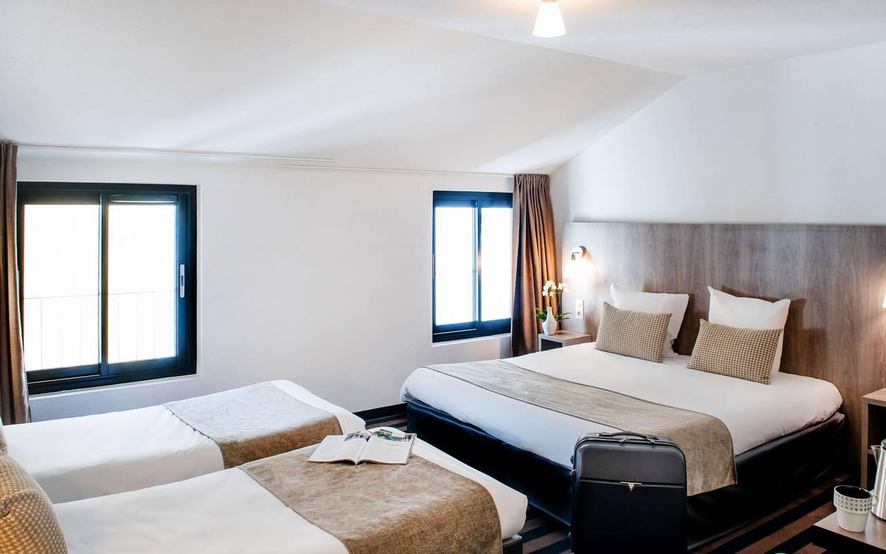 Quadruple room, hotel restaurant Hautes Pyrénées, hotel Panorama.