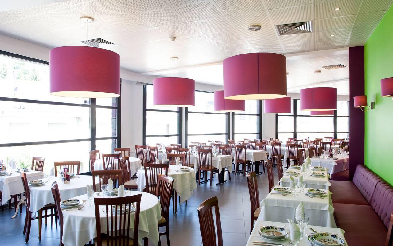 Salle du restaurant, hotel restaurant à Lourdes, hôtel Panorama