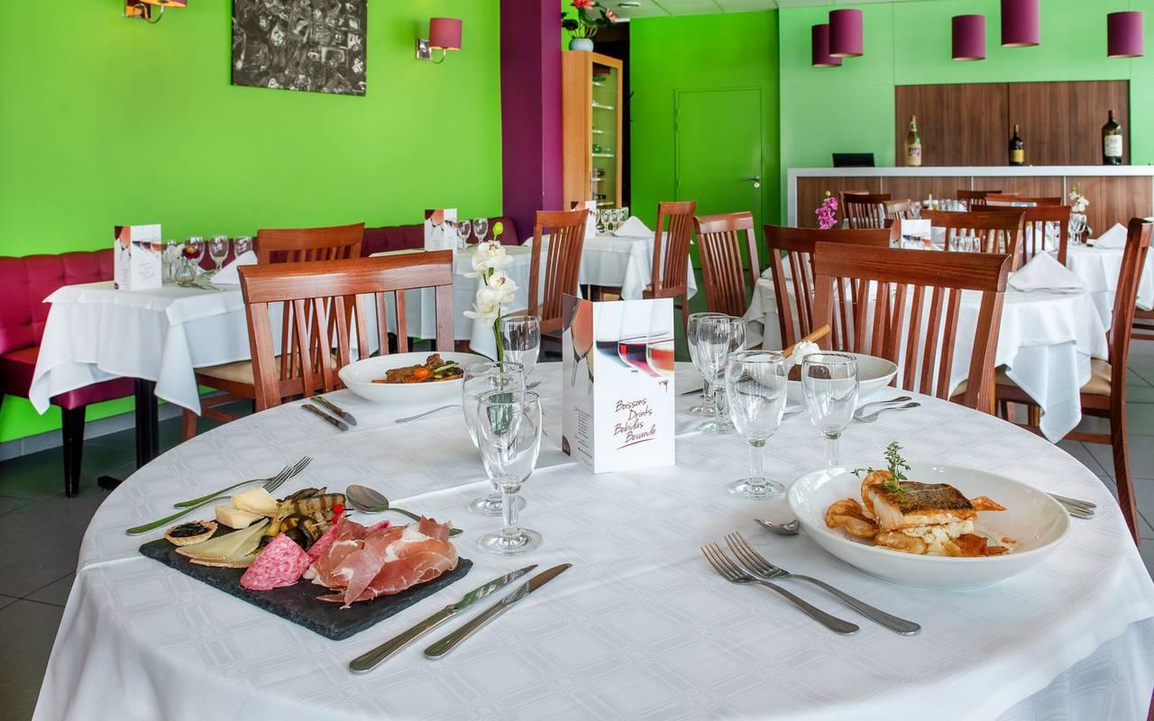 Table du restaurant, hotel restaurant à Lourdes, hôtel Panorama