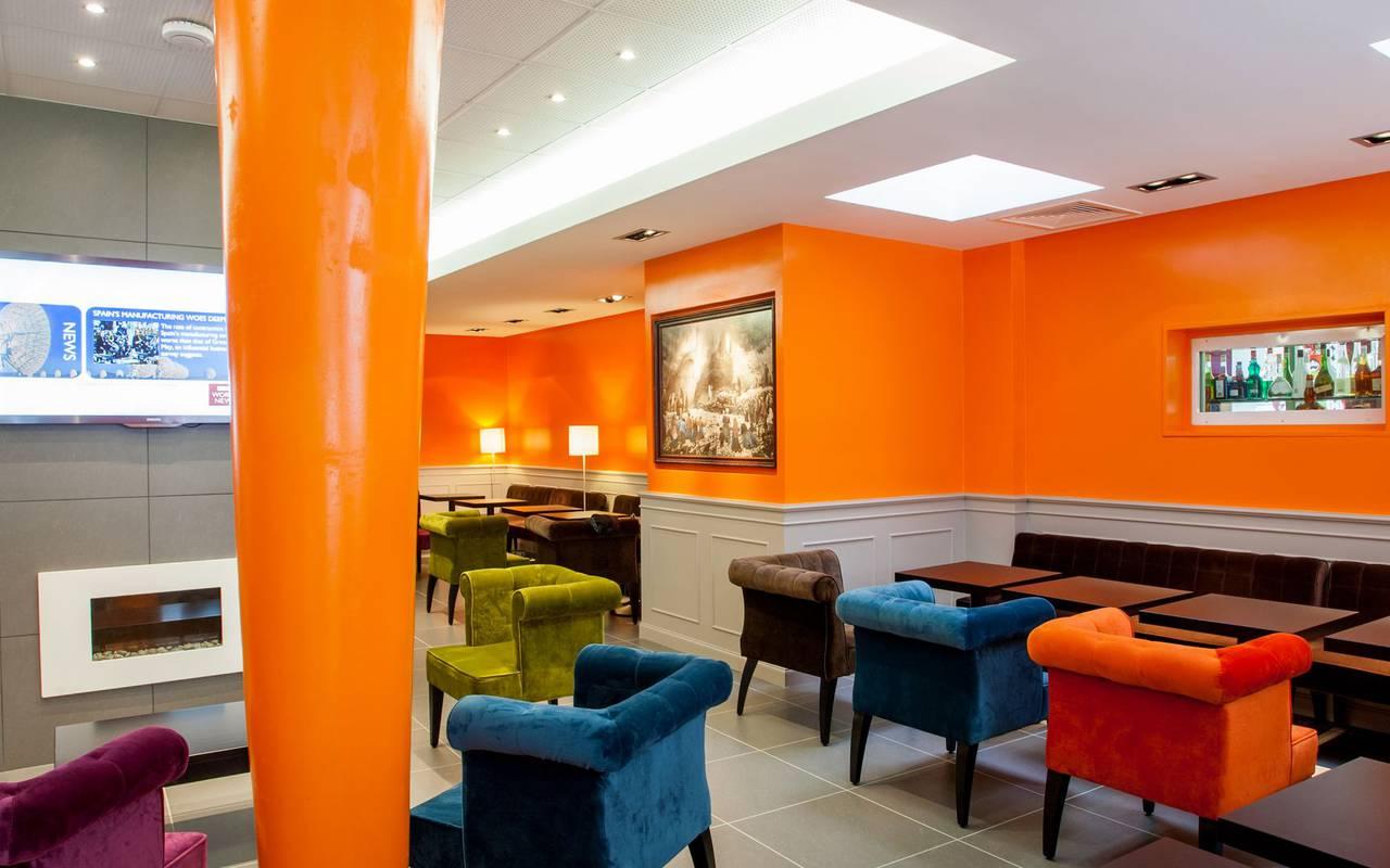Réception salon, hotel restaurant à Lourdes, hôtel Panorama